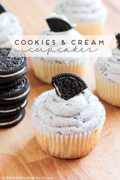 Cookies and Cream Cupcakes with a Marshmallow Oreo Frosting!! This dessert recipe looks amazing!