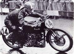 Dario Ambrosini Champion du monde 250 cc en 1950 .