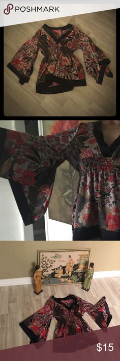 Vintage Japanese cherry blossom top🎎 Gorgeous vintage top👘Make a statement in this retro masterpiece💋💯% polyester🔝VERY flowy and dramatic all in one❤️ Tops Blouses