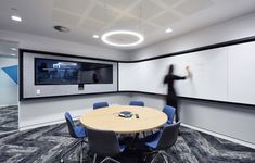 Sheldon Commercial Interiors designed the offices for telecommunications software company, MNF Group , located in Sydney, Australia. Commercial Interior Design, Commercial Interiors, Office Open Plan, Office Hub, Corporate Office Decor, Corporate Offices, Office Entrance, Modern Architecture House, Futuristic Architecture