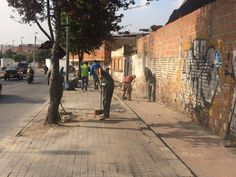 Localidad Barrios Unidos Aguas de Bogotá SA ESP la empresa del posconflicto, en la transversal 56 con calle 77 desarrolló operativo de limpieza el pasado viernes 22 de enero coordinado desde la Alcaldía Local de Barrios Unidos, la Policía Metropolitana de Bogotá, la Personería Local y el Apoyo del Grupo de Corresponsabilidad de la Secretaría de Integración Social. La limpieza de este sector se afecta por la constante presencia de habitantes de calle y recicladores informales. Sidewalk, Street View, Socialism, January, Friday, Past Tense, Cleaning, Street, Side Walkway