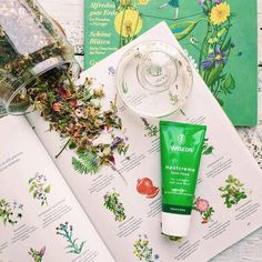 Sore Hands, Weleda Skin Food, Curly Bob Hairstyles, Natural Cosmetics, Beauty Secrets, Natural Skin Care, Creme, Instagram Posts, Nature