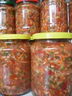 Zarzavat pentru ciorbe | Retete Culinare - Bucataresele Vesele Canning Recipes, Raw Food Recipes, Healthy Recipes, Canning Pickles, Good Food, Yummy Food, Romanian Food, Fermented Foods, International Recipes