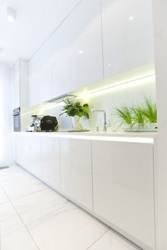 Apartment Design, Kitchen Flooring Ideas And Green Capability As White Apartment Amusing Sober, Yet Positive White Apartment in Warsaw . Kitchen Room Design, Best Kitchen Designs, Home Room Design, Kitchen Cabinet Design, Home Decor Kitchen, Interior Design Kitchen, White Apartment, Contemporary Kitchen Design, Apartment Interior Design