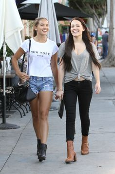 Paris Berelc & Kelli Berglund - Shopping