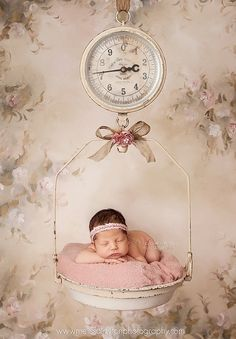 I love the background, the vintage scale and the bow. Baby Family Pictures, Newborn Pictures, Baby Photos, Cute Kids Photography, Newborn Photography, Photography Poses, Newborn Shoot, Newborn Photo Props, Cute Babies
