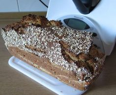 Super Easy Gluten Free Seed Bread - Rawmazing Raw and Cooked Vegan Recipes Pampered Chef, Raw Food Recipes, Bread Recipes, Pan Sin Gluten, Seed Bread, Whole Grain Bread, Bread Baking, Banana Bread, Good Food