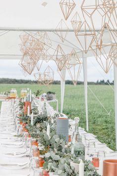 Ines Barwig Wedding Boxes, Wedding Table, Boho Bride, Boho Wedding, Budget Wedding, Wedding Planning, Winter Party Decorations, Party Garland, Winter Wonderland Wedding