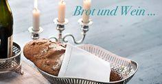 Was für ein schöner Brotkorb! Wir stellen uns vor, wie man die letzten Sommerabende draußen sitzt, in eine warme Decke gehüllt und mit einem vollmundigen Wein, herzhaftem Brot und noch herzhafterem Lachen ... http://bit.ly/1vRDnwq #CatchOfTheDay