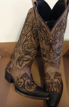 Brand new BROWN w/ cross inlays womens ladies cowboy boots - sale pricing! in Clothing, Shoes & Accessories, Women's Shoes, Boots Cowboy Boots Women, Cowgirl Boots, Ladies Boots, Riding Boots, Western Wear, Western Boots, Crazy Shoes, Me Too Shoes, Women's Shoes