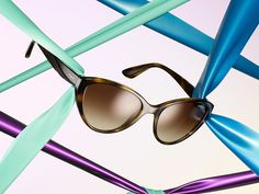 Caught up in color is all in our new collection of Rainbow sunglasses.