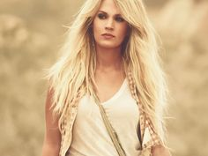 Watch Carrie Underwood's Sexy New Video for 'Smoke Break' http://www.people.com/article/carrie-underwood-smoke-break-video