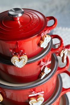 Make a Christmas wish come true with Le Creuset. #clemengold #gathering #lecreuset