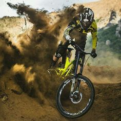 Or maybe just ride your bicycle. Freeride Mountain Bike, Cannondale Mountain Bikes, Mountain Bike Action, Freeride Mtb, Mountain Biking, Downhill Bike, Mtb Bike, Cycling Bikes, Shooting Pose