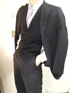 jirou ended up with his father's looks and his father's build, albeit a little more muscular. Fashion Line, Mens Fashion, Elegant Man, Suit Vest, Pause, Action Poses, Drawing Clothes, Suit And Tie, Pose Reference