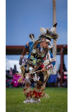 D'andre Augustine of Arapahoe, Wyoming competes as a Traditional Dancer at Eastern Shoshone Indian Days Powwow, Fort Washakie Wyoming, Sunday June (Terance Oldman) American Indian Dog, Native American Girls, Native American Regalia, Native American Symbols, Native American Beauty, Native American Crafts, Native American Artists, Native American Beading, Native American History