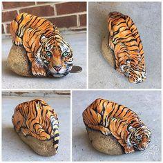 By Diane Davis of Augusta, GA Pebble Painting, Pebble Art, Stone Painting, Rock And Pebbles, Art Addiction, Rock Artists, Rock Painting Designs, Pet Rocks, Rock Crafts
