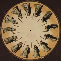 CINEMA surgiu no início do século XIX. O phenakistoscope era um dispositivo de animação que usava um disco giratório de imagens sequenciais com o objetivo explorar a magia do movimento. Criado em 1932 por Plateau