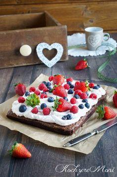 Berry milk chocolate brownie