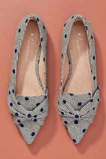 Discover unique women's flats, oxfords and slip-on shoes at Anthropologie, including the season's newest arrivals. Red Shoes Outfit, Cute Shoes Heels, Fancy Shoes, Pretty Shoes, Sock Shoes, Pump Shoes, Mules Shoes, Me Too Shoes, Shoe Boots