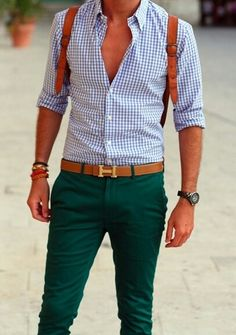 Summer turist men look.