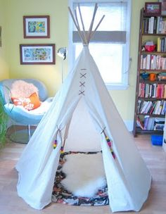 DIY Tipi - like the look of the stitching on the front