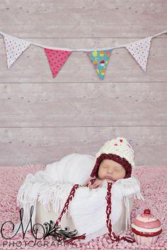 Ravelry: Chunky Cupcake Hat all sizes pattern by Tanya Bernard