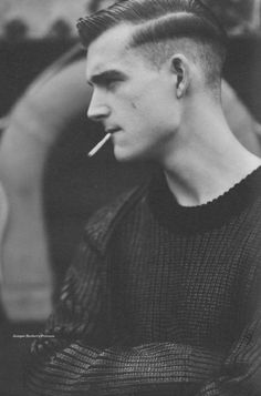 Hot dude and sexy hair.would b way hotter if he didn't have a cigarette ruining it all. Teddy Boys, Hair And Beard Styles, Short Hair Styles, Sport Hair, Man Smoking, Smoking Kills, Mein Style, Moustaches, Mode Masculine