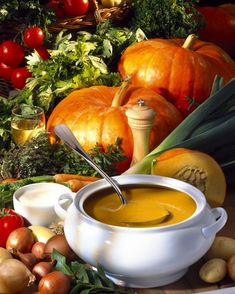 Supă cremă de dovleac | Retete culinare - Romanesti si din Bucataria internationala Good Food, Pumpkin, Vegan, Vegetables, Anna, Pumpkins, Vegetable Recipes, Vegans, Health Foods