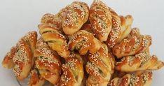 . Φανταστική συνταγή για τυρό-πατατό-πιτάκια θεϊκά! Υλικά 2 αυγά 1 ποτήρι ελαιόλαδο 1 ποτήρι γάλα (χλιαρό) 1 κουταλιά της σούπας ξηρή μαγ... Party Finger Foods, Finger Food Appetizers, Party Snacks, Appetizer Recipes, Turkish Kitchen, Party Buffet, Turkish Recipes, Keto Diet For Beginners, Recipe Today
