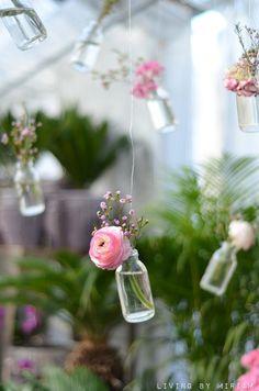 Hanging flowers #wedding #wed #ido