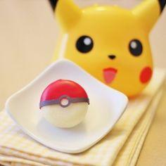 9 edible Pokeball ideas for the Pokemon fans!