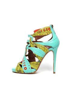 Tendencias: Los zapatos más rompedores de 2013. Sandalia jungla, de Tabitha Simmons.