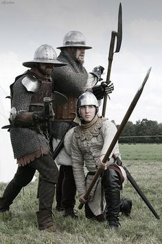 Arms and Armor — I always like to repost cloth armor whenever I see. Medieval Weapons, Medieval Knight, Medieval Fantasy, Armadura Medieval, Larp, Landsknecht, Knight Armor, Arm Armor, Fantasy Armor