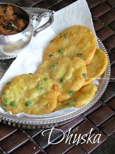 A Dhuska ~ Jharkhand Special Breakfast Pakora Recipes, Veg Recipes, Indian Food Recipes, Vegetarian Recipes, Cooking Recipes, Healthy Recipes, Recipies, Veg Breakfast Recipes Indian, Ovo Vegetarian