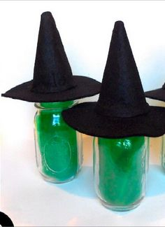 PIN FOR LATER -- start crafting your spooky Halloween projects soon and make these adorable and easy mason jar witches!