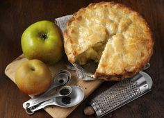 Apple Pie: Sometimes the old classics are the best. Brighten up any miserable weekend with a homemade apple pie. Use this recipe from James Martin for a nice easy comforting bake. Fun Desserts, Dessert Recipes, Wine Recipes, Cooking Recipes, Bread And Butter Pudding, Eating Fast, Homemade Apple Pies, Recipes From Heaven, Cravings