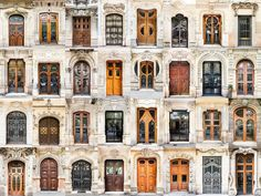 Portas na Espanha. O fotógrafo português André Vicente Gonçalves viaja ao redor do mundo fotografando portas e janelas.  Fotografia:  André Vicente Gonçalves.  http://www.redetv.uol.com.br/jornalismo/da-para-acreditar/homem-viaja-o-mundo-fotografando-janelas-e-portas.