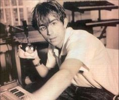 Damon Albarn - this I believe was from an NME magazine. it was the first picture at the beginning of the article. Blur Band, You Really Got Me, All Bran, Jamie Hewlett, British Boys, Britpop, Daddy Issues, Gorillaz, Sound Of Music