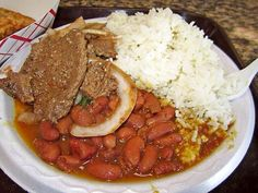 WHITE RICE WITH BEANS AND BEEFSTEAK?! THAT IS WHAT I AM GOING TO EAT IN THE DINNER!  BUENISIMO!  DELICIOUS!