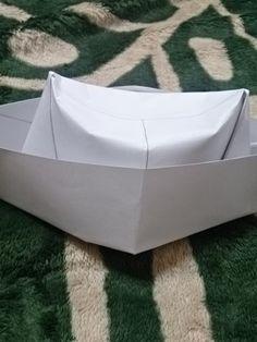 ハロウィン仮装 お金をかけず簡単に作れる海賊帽子の作り方   元気になろう! Outdoor Furniture, Outdoor Decor, Handmade, Crafts, Origami, Halloween, Kids, Hand Made, Manualidades