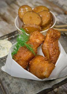Rapeat ranskalaiset ja tuore kala. Siinä se on. Keittiömestari Risto Mikkolan reseptissä fish and chips -annoksen kruunaa tartarkastike.