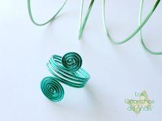 Anillo Espiral verde: Anillo hecho de aluminio en forma de espiral.