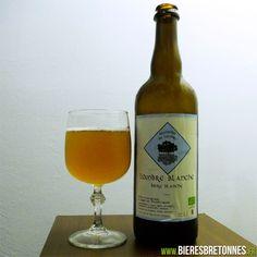 Bière Blanche du Pays de Brocéliande  L'Ombre Blanche est une bière bretonne de fermentation haute, non filtrée et non pasteurisée produite par la Brasserie de l'Ombre située à Iffendic, au cœur du pays de Brocéliande.  http://www.bieresbretonnes.fr/portfolio-item/lombre-blanche/