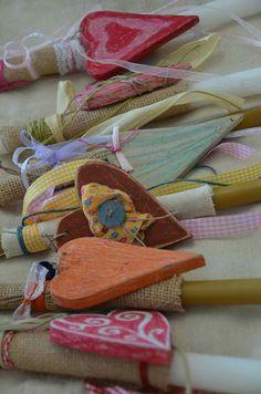 Spring Crafts, Easter Crafts, Clothes Hanger, Candles, Coat Hanger, Hangers, Hangers For Clothes, Candy, Candle Sticks