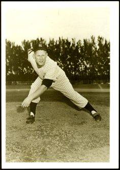 NEW YORK YANKEES VINTAGE WHITEY FORD 5 X 7 GLOSSY PHOTOGRAPH NMMT FREE SHIPPING #NewYorkYankees