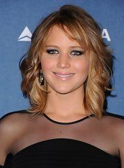 Jennifer Lawrence Medium Wavy Cut with Bangs