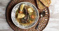 Κρεατόσουπα στη χύτρα ταχύτητας από τον Άκη Πετρετζίκη. Φτιάξτε μια ζεστή χειμωνιάτικη σούπα με μοσχάρι και λαχανικά εύκολα και γρήγορα!