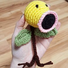 Bellsprout is a quick small project. The stem is a crochet cord using two strands held together instead of one. You can find the tutorial for that here.