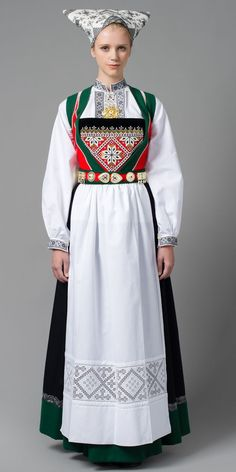 Hello all, Today I will cover the last province of Norway, Hordaland. This is one of the great centers of Norwegian folk costume, hav. Norwegian Clothing, Norwegian Fashion, Wool Tights, What Women Want, Folk Costume, Ethnic Fashion, Business Fashion, Traditional Dresses, Norway